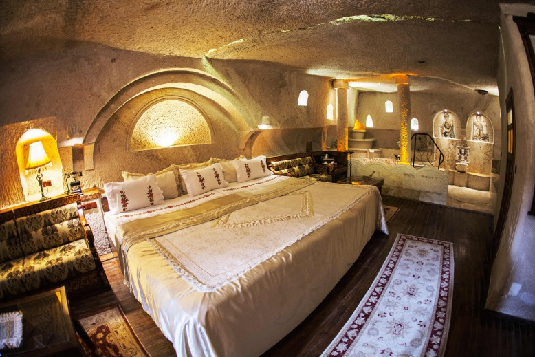 106 Roman King Suite (2)