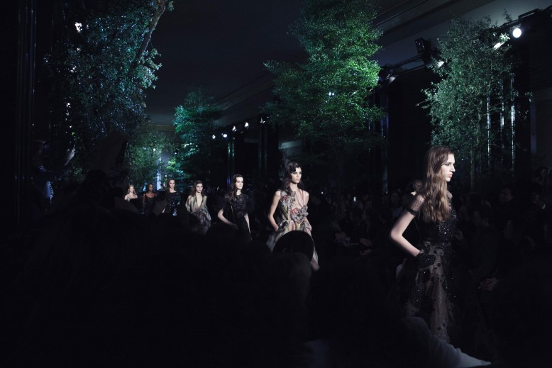 Backstage-Elie-Saab_0189