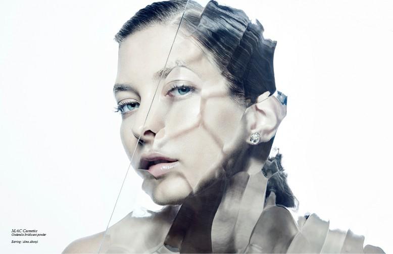 MAC Cosmetics Cinderella Irridiscent powder Earring / Alma Abonyi