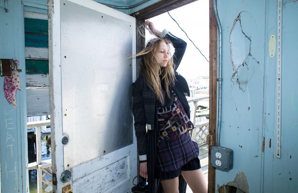Jacket / Charlotte Ronson Coat / Ji Oh Blouse / Longchamp Tunic / Comptoirs des Cotonniers Shorts / Ji Oh