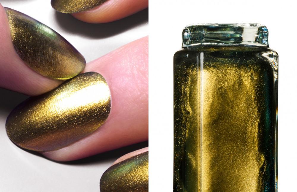 Ciaté Duo chrome nail polish in Oil Slick