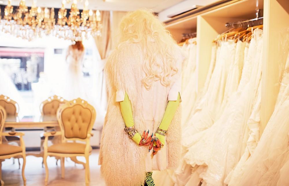 Fur gillet / Barbara Langendijk Skirt / House of Holland Rings & Bracelets / Otazu