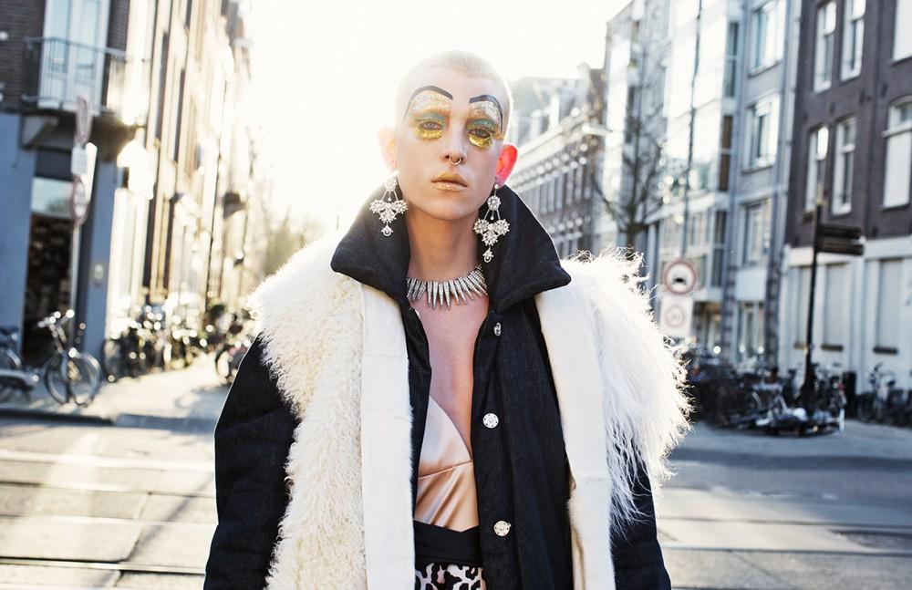 Dress / Elisabetta Franchi Fur gillet / Barbara Langendijk Necklace, Earrings & Rings / Otazu