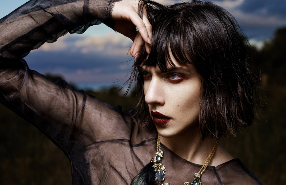 All clothing / Agnes Hamerlik Necklace / Alexis Bittar