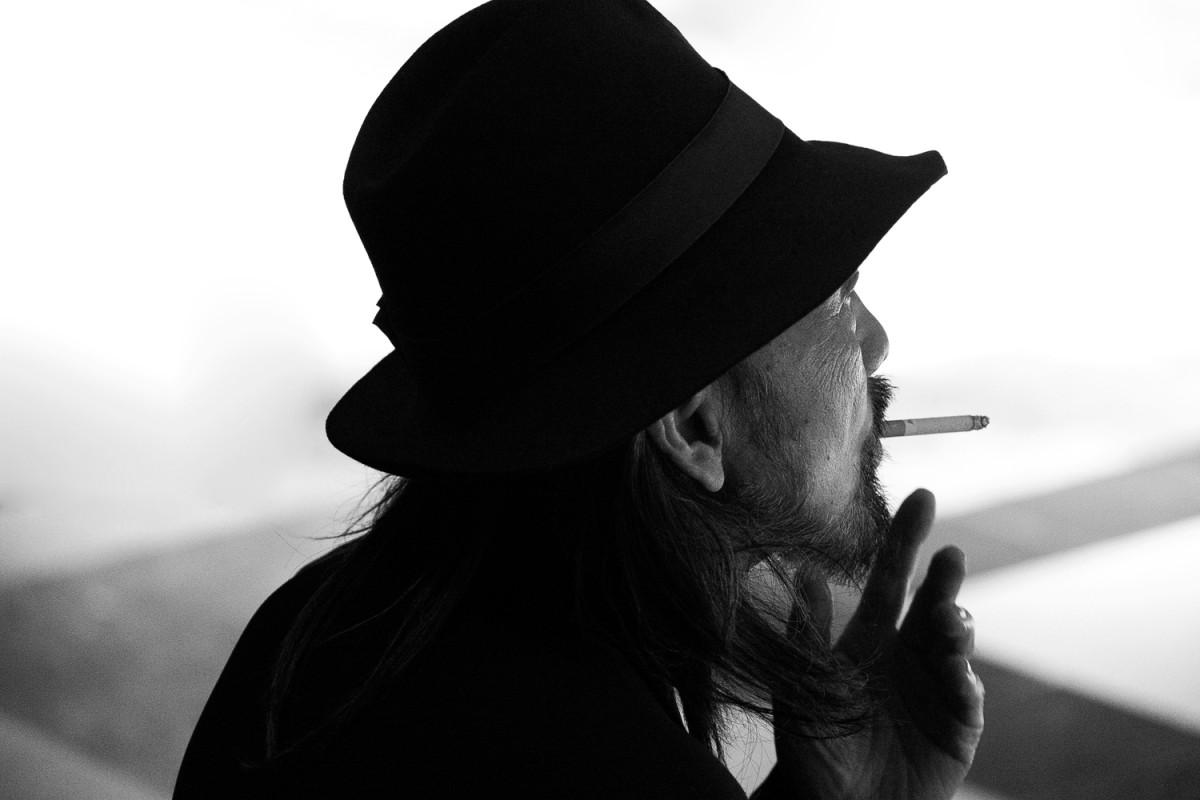 Backstage-Yohji-Yamamoto-FW16_016